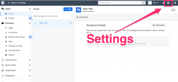 Hootsuite dashboard with Settings gear highlighted in top right corner