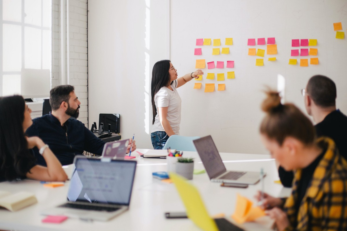 10 signs you need this type of specialist in your organization   by Alex Nikiforov   May, 2021